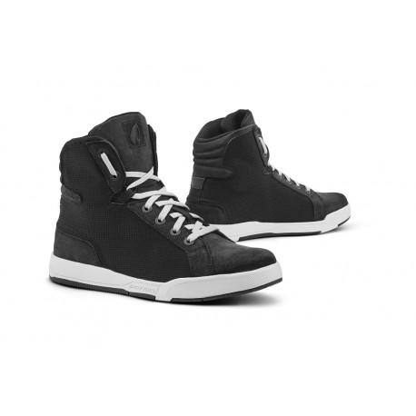 FORMA BOOTS scarpe SWIFT J DRY nere/bianche